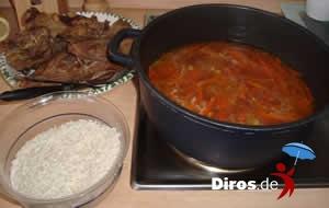 Плов - готовое мясо вытащить из казана, добавить рис